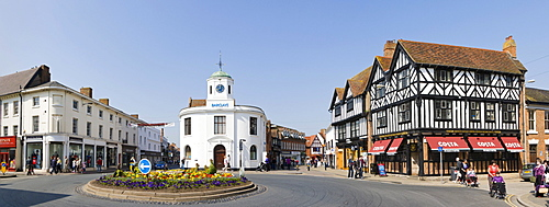 Panorama of Barclays Bank building, market cross, traditional house selling coffee, Bridge Street, Stratford upon Avon, Warwickshire, England, United Kingdom, Europe