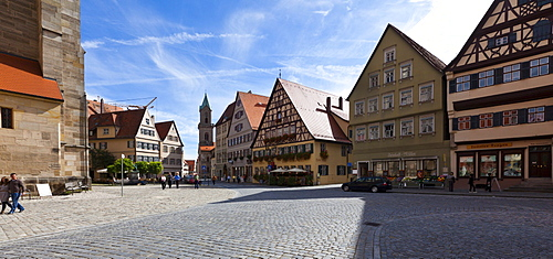 Weinmarkt square and St. George's Minster on the left, Dinkelsbuehl, administrative district of Ansbach, Middle Franconia, Bavaria, Germany, Europe