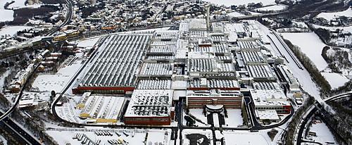 Aerial view, snow, inner-city highway, Zafirawerk plant, Astrawerk factory, Opel GM General Motors Werk I plant, Bochum, Ruhrgebiet region, North Rhine-Westphalia, Germany, Europe