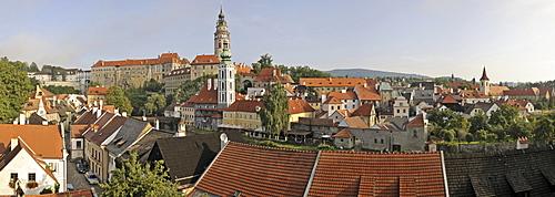 View on the historic old town with Cesky Krumlov Castle, UNESCO World Heritage Site, Cesky Krumlov, Czech Republic, Europe
