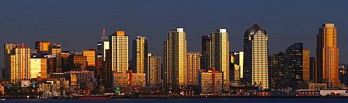 Skyline, sunset, San Diego, California, USA