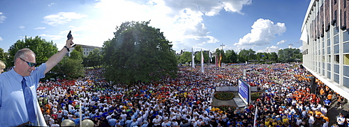 More than 13, 000 runners start at the 2009 Firmenlauf, companies run, Koblenz, Rhineland-Palatinate, Germany, Europe