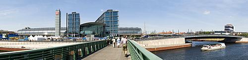 Panoramic view of Berlin Central Station behind the Gustav Heinemann Bridge, Berlin, Germany, Europe