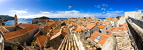 View over historic centre of Dubrovnik, UNESCO World Heritage Site, Ragusa, Dubrovnik-Neretva, Dalmatia, Croatia, Europe