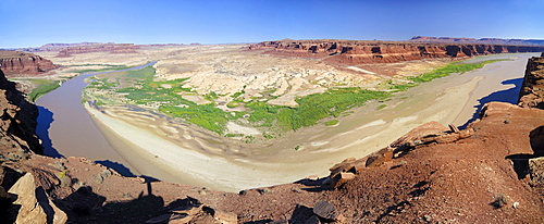 View from the Hite lookout point over the Glen Canyon National Recreation Area , Colorado Plateau, Utah, USA