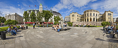 Square in front of the Storting (Norwegian Parliament completed 1866), Oslo, Norway, Scandinavia, Europe