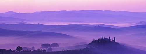 Morning mist over Podere Belvedere, Val d'Orcia, Tuscany, Italy, Europe