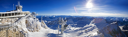 Zugspitze, Germany's highest mountain, the German weather station (DWD) and skiing area, on the border between Germany and Austria, Europe