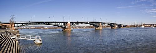 Theodor Heus Bridge over the Rhine, Mainz, Rhineland-Palatinate, Germany, Europe