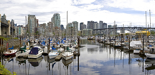 West End, yacht harbour and Burrad Bridge, Vancouver, British Columbia, Canada, North America