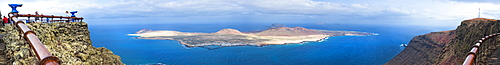 09/04/2009. Spain, España, Canary Islands, Canarias, Lanzarotie, View from Mirador del Rio to La Graciosa island. Cesar Manrique Site of interest.. Arrecife, Mirador Del Rio, Lanzarote. Canary Islands, Spain, España