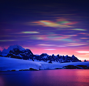 Mother of pearl clouds (nacreous clouds), Polar Stratospheric Clouds. These clouds indicate global warming., Antarctic Peninsula, Antarctica