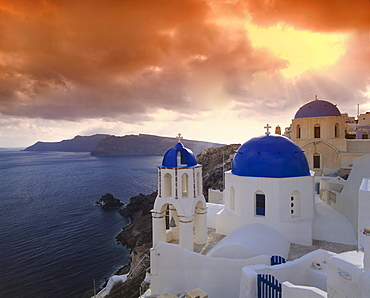 Cyclan, Santorini, village church in Oia