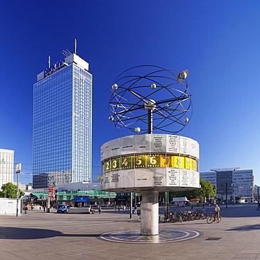 Weltzeituhr (world clock) and Hotel Park Inn, Alexanderplatz Square, Berlin Mitte, Berlin, Germany, Europe