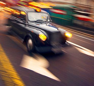 Traditional black taxi, London, England, United Kingdom, Europe