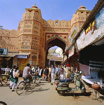 Gate, entrance to the city, Bundi, Rajasthan State, India