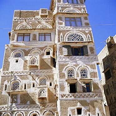 Traditional multi-storey house in Sanaa, Yemen Arab Republic