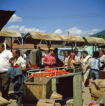 Open air food market, Vatra Dornei, Moldavia, Romania, Europe