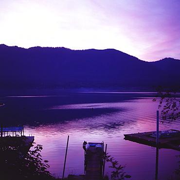 Sunset on Lake Quinault, Olympic National Park, UNESCO World Heritage Site, Washington. United States of America, North America