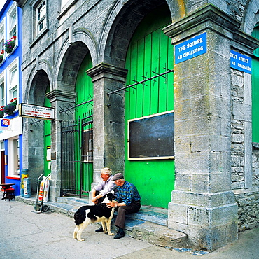 2 men with a Border Collie dog, Westport, county Mayo, Ireland