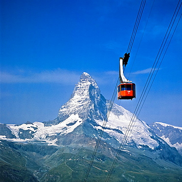 Cable car and the Matterhorn, Zermatt, canton Valais, Switzerland