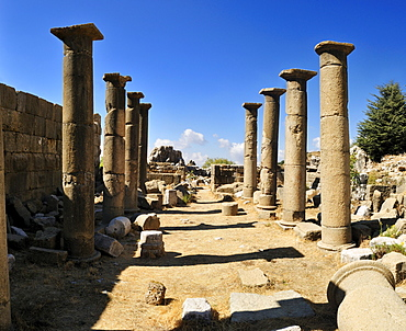 Antique Roman temple, archeological site of Qalaat Faqra, Lebanon, Middle East, West Asia