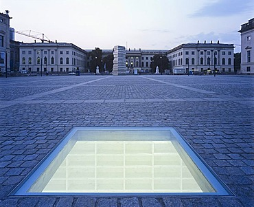 """Versunkene Bibliothek"", Sunken Library, by Micha Ullman, Monument for the burning of books in 1933 on Bebelplatz square, Berlin, Germany, Europe"