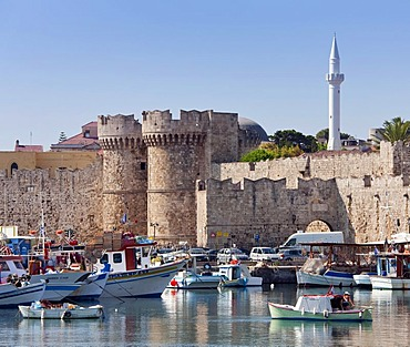 Port and city walls of Rhodes town, Rhodes island, Greece, northern part, Aegean Sea, Southern Europe, Europe