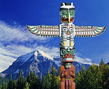 Totem pole, Composing, south side of Mount Robson, Rocky Mountains, British Columbia, Canada