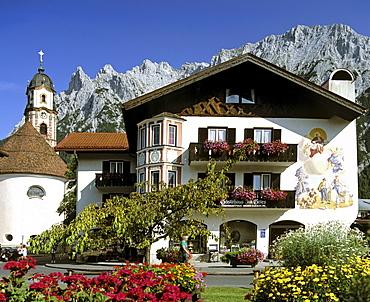 Karwendel Range, St. Peter and Paul Church, Mittenwald Forest, Upper Bavaria, Bavaria, Germany, Europe