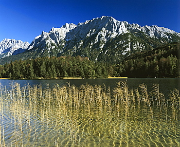 Lake Lautersee, Karwendel Range, Mittenwald Forest, Upper Bavaria, Bavaria, Germany, Europe