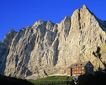 Falkenhuette, Laliderer Wall, Lalidererspitze, Karwendel, Tyrol, Austria