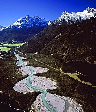 Lech between Stanzach and Forchach, Allgaeu Alps, behind Lechtal Alps, Tyrol, Austria