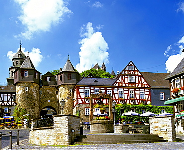 Marketplace and Fachwerk-style houses in the historic centre of Braunfels, Hesse, Germany, Europe