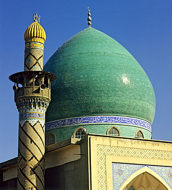 Green-domed mosque, minaret tower, Baghdad, Iraq, Middle East