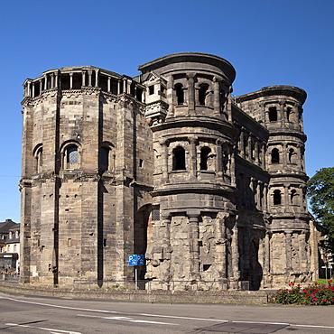 The Roman Porta Nigra gate, Trier, Rhineland-Palatinate, Germany, Europe, PublicGround