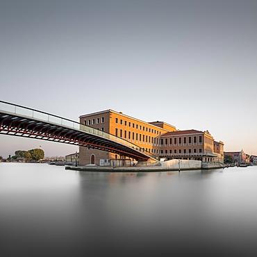 Ponte della Costituzione, footbridge over Grand Canal, architect Santiago Calatrava, Santa Croce, Venice, Italy, Europe