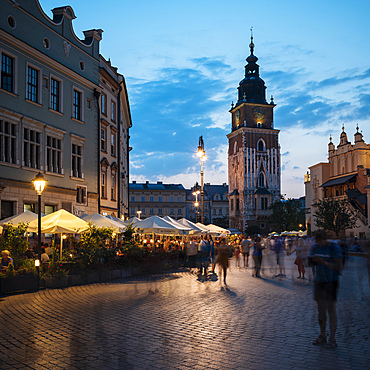 Rynek Glowny (Market Square) at dusk, UNESCO World Heritage Site, Krakow, Malopolskie, Poland, Europe