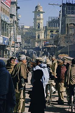 Street scene in the bazaar, Peshawar, North West Frontier Province, Pakistan, Asia