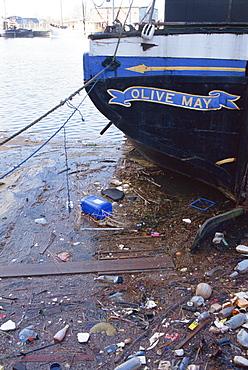 Rubbish in Gloucester Docks, England, United Kingdom, Europe