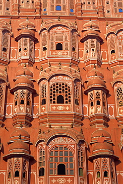 Hawa Mahal (Palace of the Winds), from where ladies in purdah could look outside, Jaipur, Rajasthan state, India, Asia