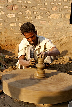 Potter and wheel in village near Jodhpur, Rajasthan state, India, Asia