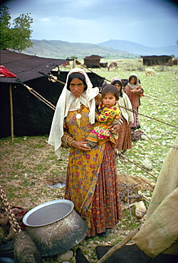 Qashqai woman and child, southern area, Iran, Middle East