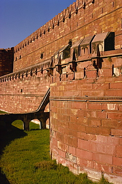 Red Fort, built by Akbar in 1565, completed by Aurangzeb, UNESCO World Heritage Site, Agra, Uttar Pradesh state, India, Asia
