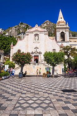 Church of St. Joseph in Piazza IX Aprile on Corso Umberto, the main street in Taormina, Sicily, Italy, Europe