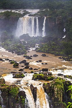 Iguazu Falls (Iguacu Falls) (Cataratas del Iguazu), UNESCO World Heritage Site, Argentinian side seen from the Brazilian side, border of Brazil Argentina and Paraguay, South America