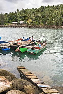 Fishermen on Pulau Weh Island, Aceh Province, Sumatra, Indonesia, Southeast Asia, Asia