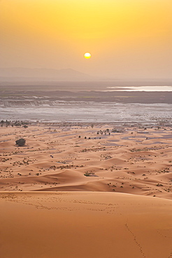 Erg Chebbi Sahara Desert sunset from the top of a 150m sand dune, near Merzouga, Morocco, North Africa, Africa