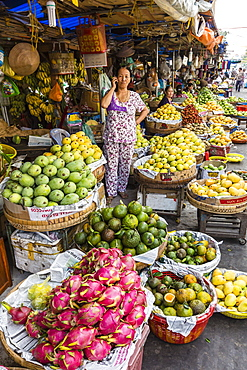Fresh produce for sale at market at Chau Doc, Mekong River Delta, Vietnam, Indochina, Southeast Asia, Asia