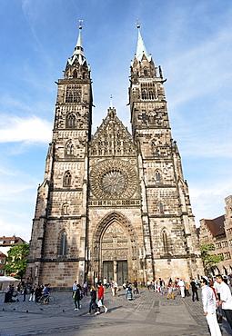 Lorenz square with St. Lorenz Church, Nuremberg, Middle Franconia, Bavaria, Germany